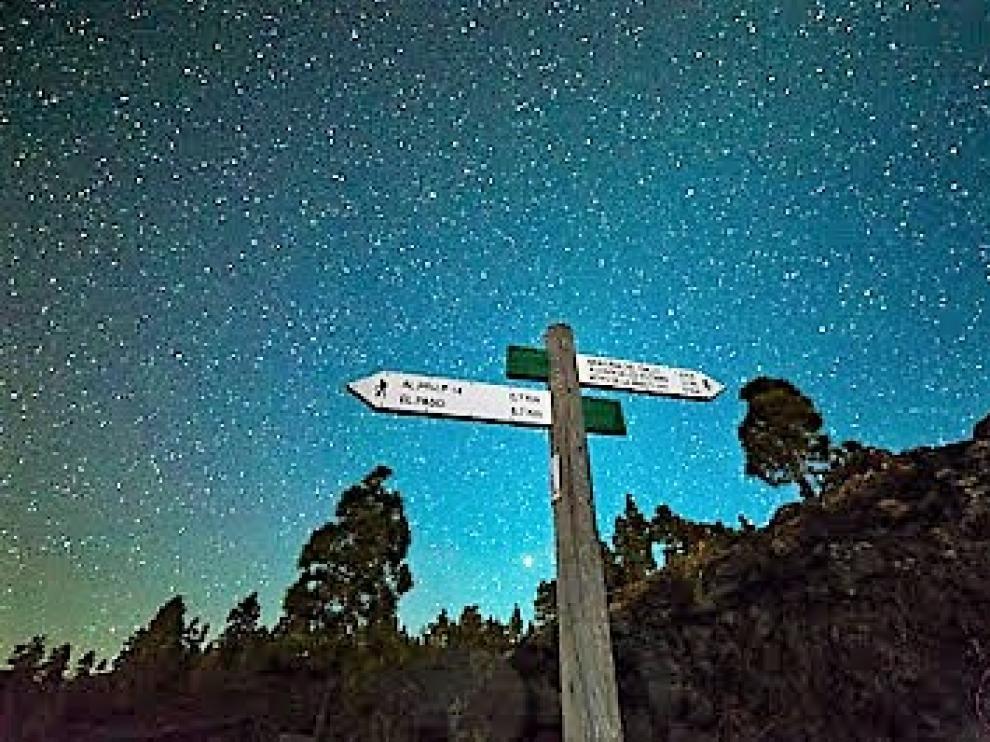 El recorrido bajo las estrellas está señalizado.