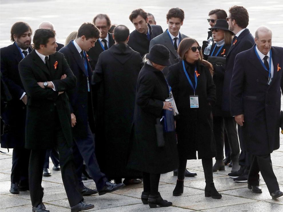 La familia de Franco en el Valle de los Caídos este jueves.