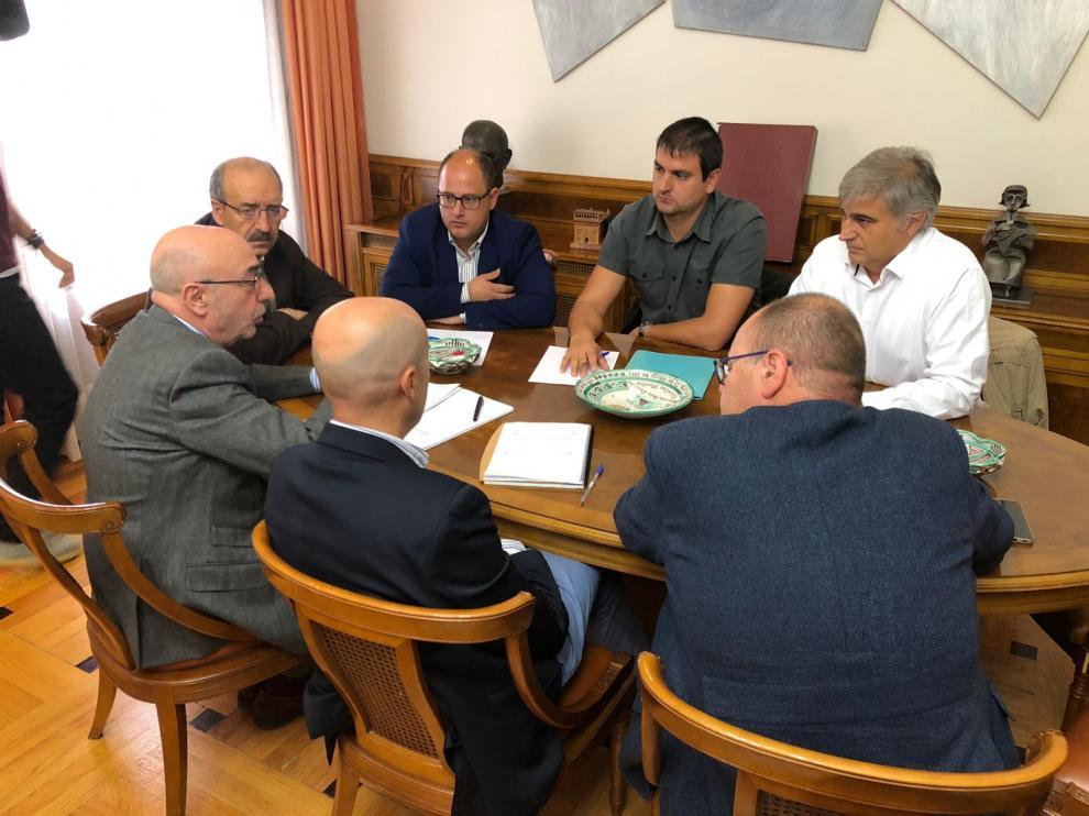 Reunión en la Diputación de Teruel para planificar unos nuevos accesos a los Ramones.