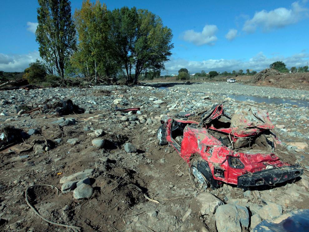 Vehículo en el que viajaban dos de los desaparecidos en Cataluña por las lluvias