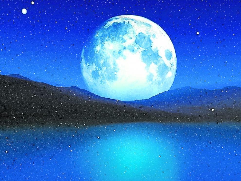 La luna sobre el horizonte