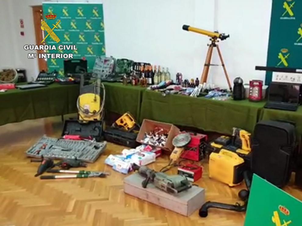 Objetos recuperados por la Guardia Civil de Teruel a la banda de ladrones.