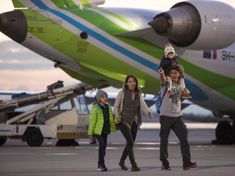 Aterriza el primer vuelo que conecta Zaragoza y Gran Canaria