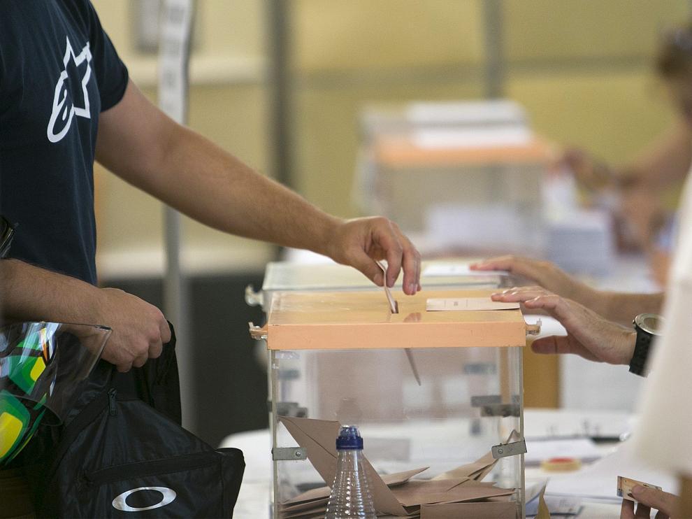 Elecciones generales 26J. Casino de Huesca. Huesca. 26/06/2016 Foto de Javier Broto