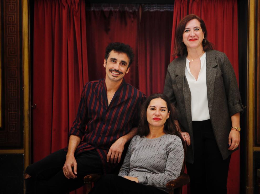 Canco Rodríguez, Natalia Mateo y Sara Fernández, en el Teatro Principal de Zaragoza.