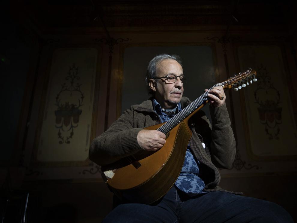 El zaragozano Javier Mas participa en el disco póstumo de Leonard Cohen