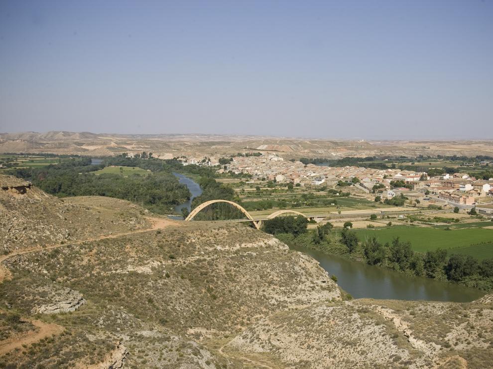El Gobierno se compromete a acometer los cauces de ríos urgentes por inundaciones. En la imagen, el Ebro a su paso por Sástago.