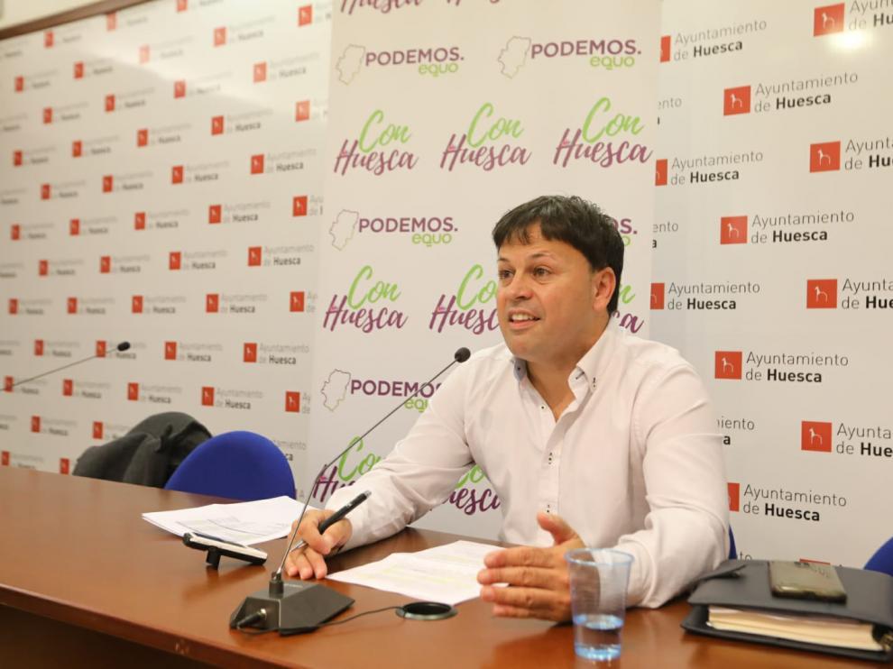El concejal Óscar Sipán durante la rueda de prensa de este martes.