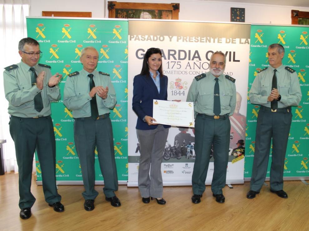 Entrega de recaudaciones obtenidas durante los actos solidarios celebrados durante la conmemoración del 175 aniversario de la Fundación de la Guardia Civil en Zaragoza