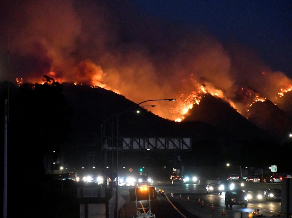 El incendio al norte de Los Ángeles se ha declarado cerca del centro Getty.