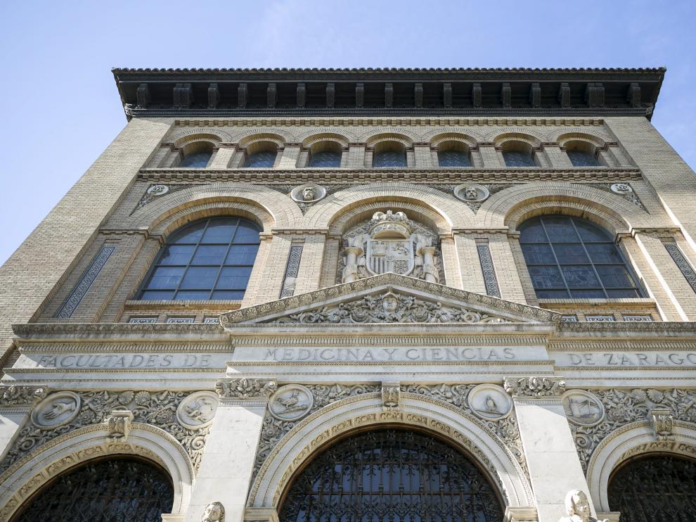 Un aspecto de la fachada del Paraninfo de la Universidad de Zaragoza.