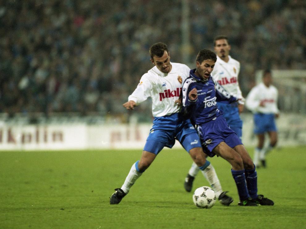 Una imagen del debut de Raúl González con el Real Madrid en La Romareda, el 29 de octubre de 1994.