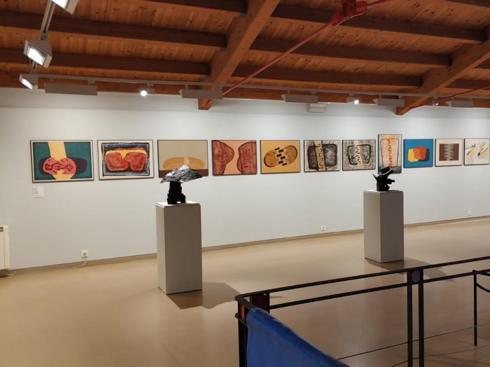 Vista de la exposición de la obra gráfica de Pablo Serrano en la Sala Ignacio Zuloaga