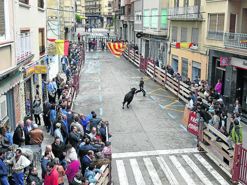 Imagen de archivo de un festejo durante las fiestas de San Miguel en la calle Germán.