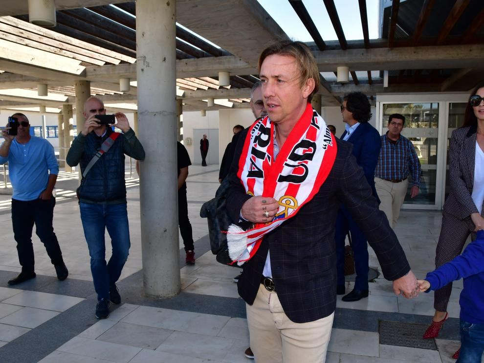 Guti, a su llegada esta tarde a Almería