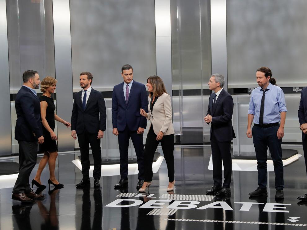 Los candidatos de los principales partidos, durante el debate