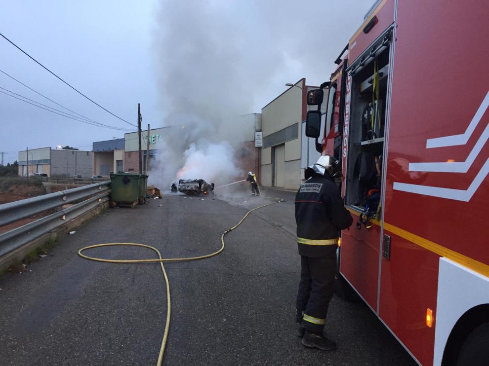 Actuación de los bomberos del Bajo Cinca, donde se prevé reforzar el servicio con 6 efectivos más.