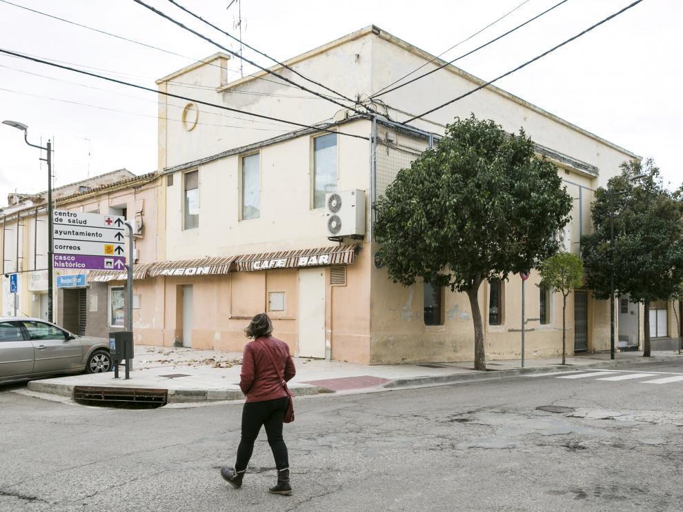 La tienda de Bon Área ocupará la planta baja de este edificio del casco urbano de Épila, adquirido por el grupo alimentario.