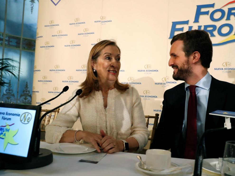 Pablo Casado junto a Ana Pastor