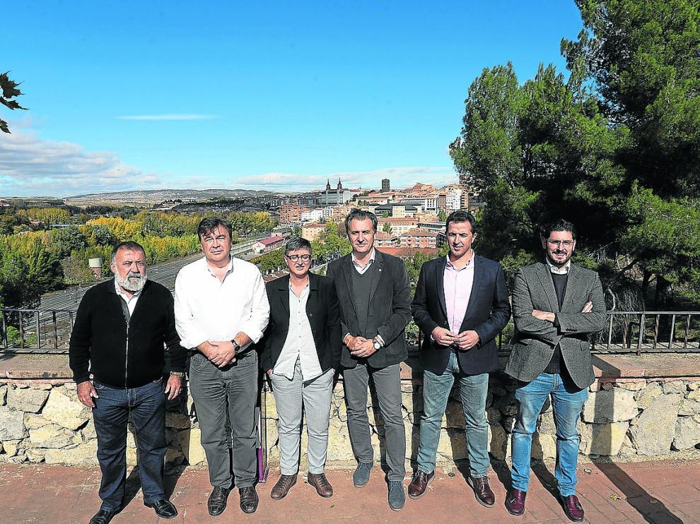 Sancho (PSOE), Guitarte (TE), Manzano (UP), Moreno (Cs), Herrero (PP) y Nolasco (Vox).