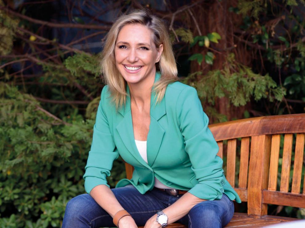 Marta Robles participa en Utebo en el ciclo de escritoras de la DPZ.