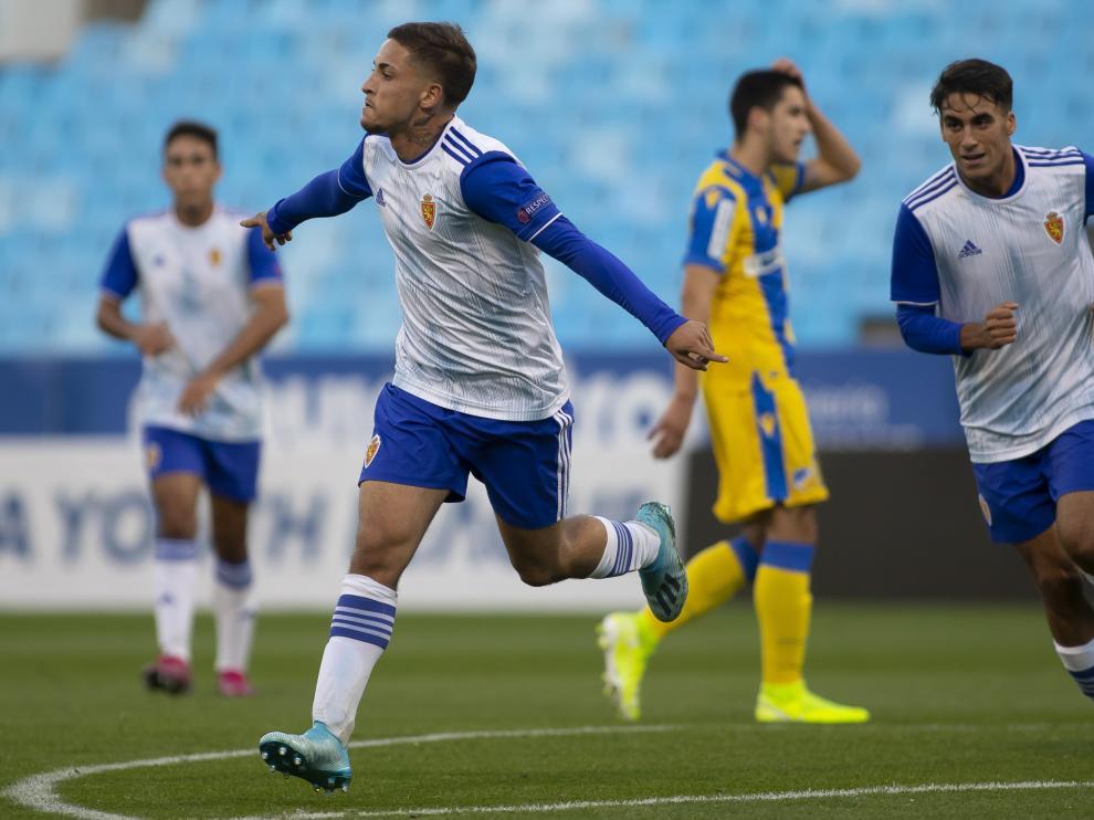 Luis Carbonell le marcó tres goles al Apoel en el partido de la Youth League jugado en La Romareda
