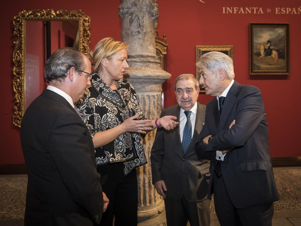 La consejera de Economía, Marta Gastón, con Javier Nieto, Antonio Envid y Valentín Pich.