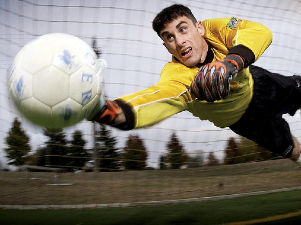 El penalti es un buen ejemplo de una situación que necesita de una toma de decisión rápida para el jugador de fútbol.