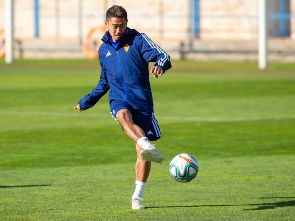 Kagawa, en la mañana de este viernes, durante el entrenamiento del Real Zaragoza.