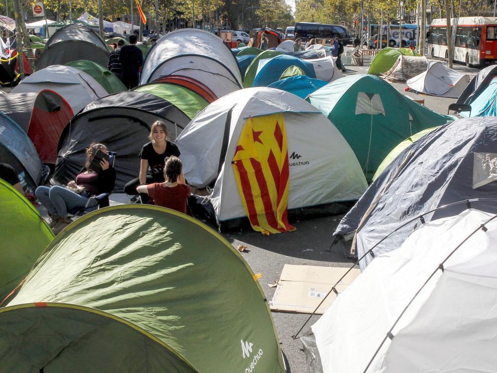 Imagen de los acampados en Barcelona.