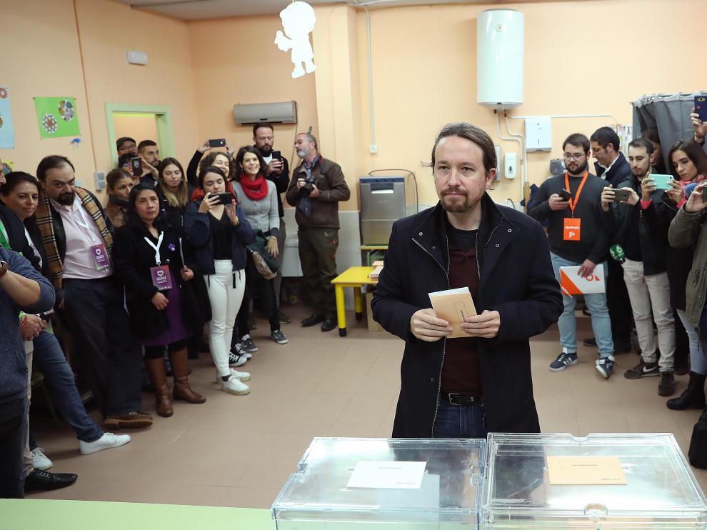 El líder de Unidas Podemos, Pablo Iglesias, ha votado en Galapagar.