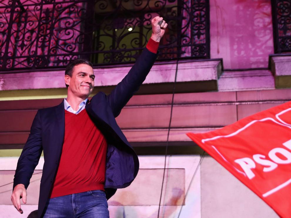 Pedro Sánchez celebra la victoria del PSOE en las elecciones generales