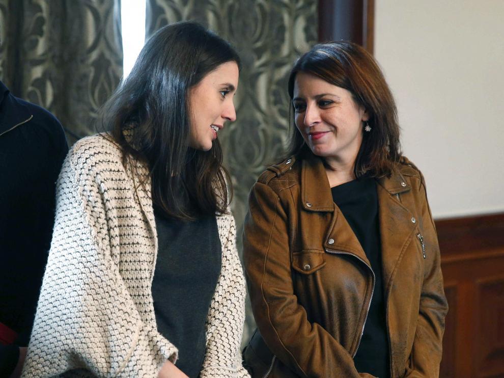 Irene Montero, de Unidas Podemos, y Adriana Lastra, del PSOE.