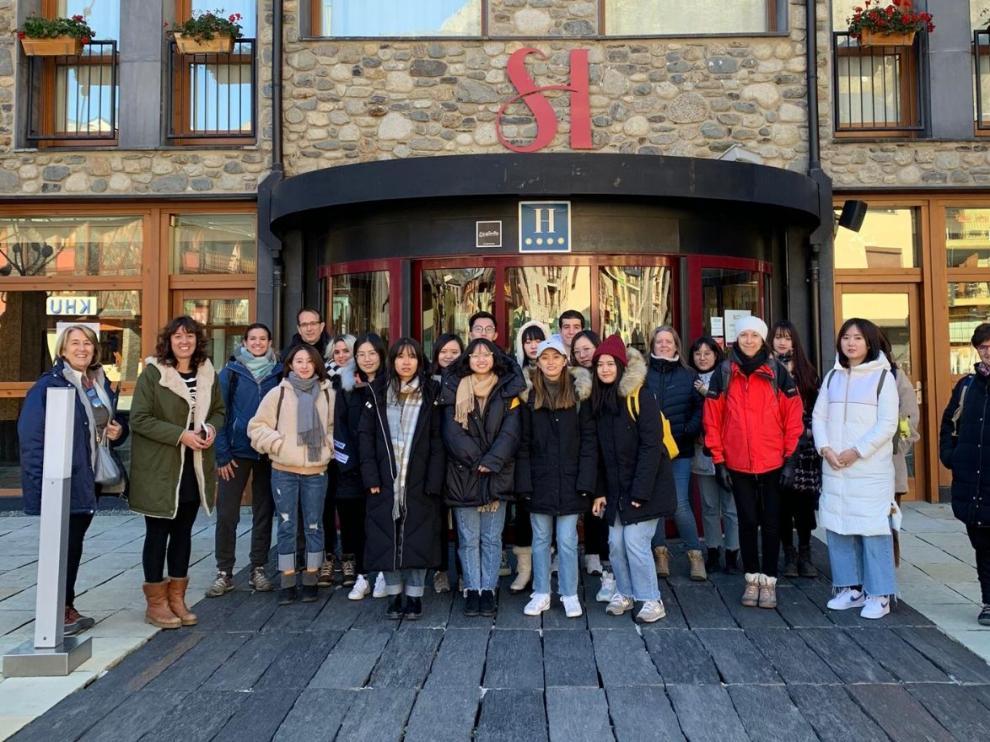 Estudiantes del Máster en Turismo de la Universidad de Zaragoza en Benasque.