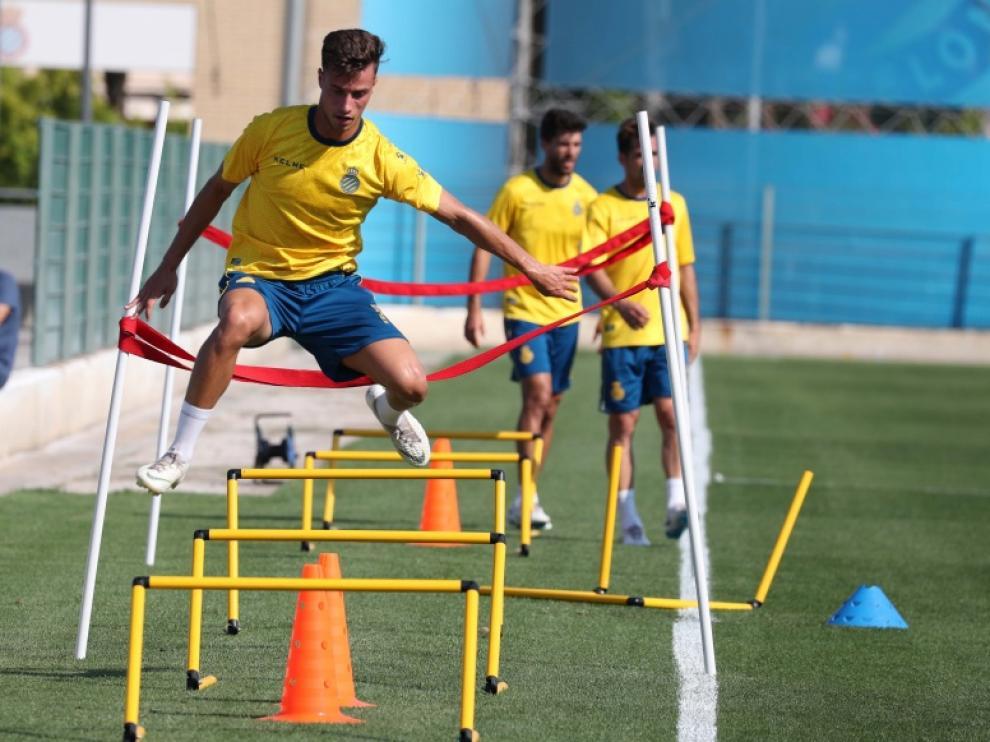 Javi Puado, en un entrenamiento del Real Zaragoza