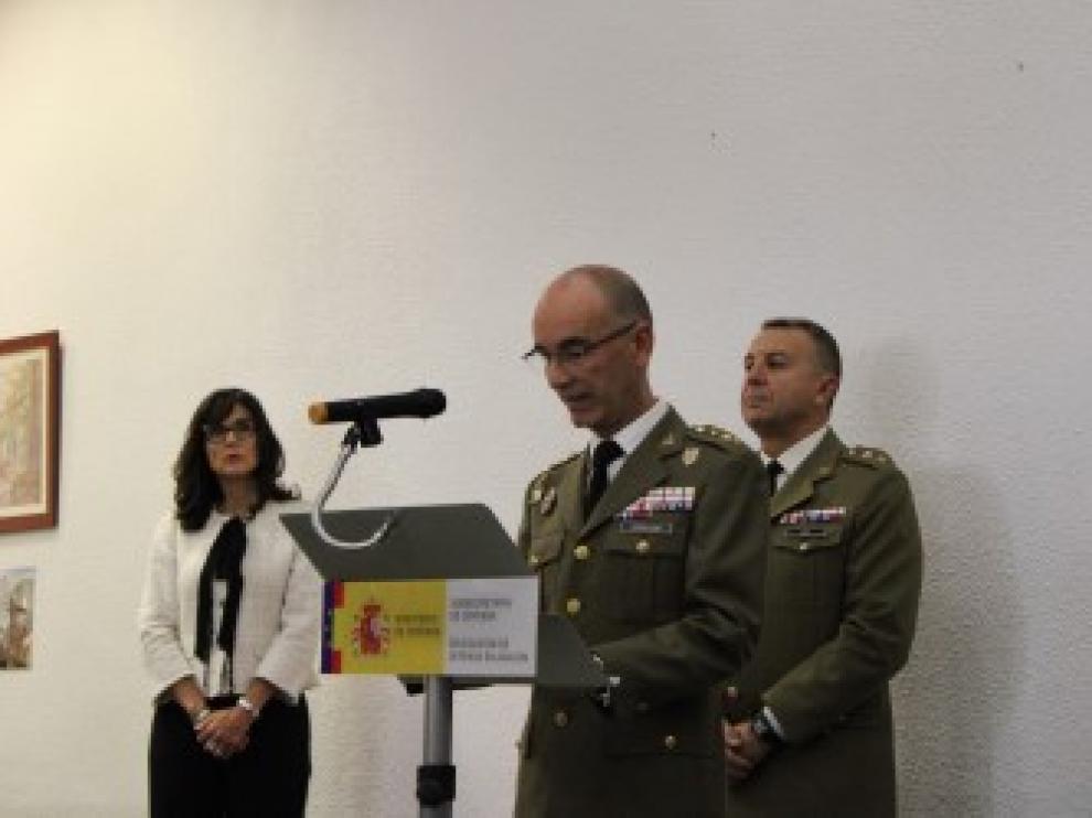 El delegado de Defensa, coronel Conrado J. Cebollero, en el acto celebrado esta mañana en el acuartelamiento de San Fernando por el 24 aniversario de la creación de la Delegación de Defensa en Aragón.
