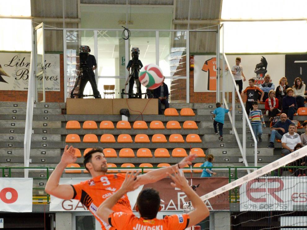 Imagen del partido CV Teruel-CV Almoradí disputado en Los Planos.