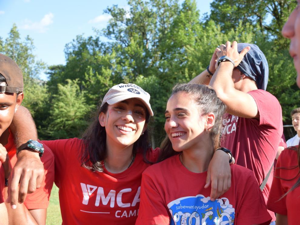 Ana Bueno, voluntaria de YMCA desde 2016, en una de las actividades de la asociación.