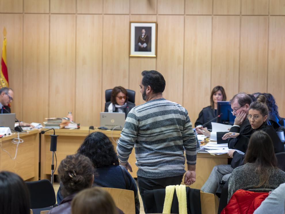 El Juzgado de lo Penal de Teruel comienza el juicio contra cuatro personas por proferir insultos y mofas en la red social Twitter ante las muertes violentas de dos guardias civiles en diciembre de 2017. Foto Antonio Garcia/bykofoto. 19/11/19 [[[FOTOGRAFOS]]]