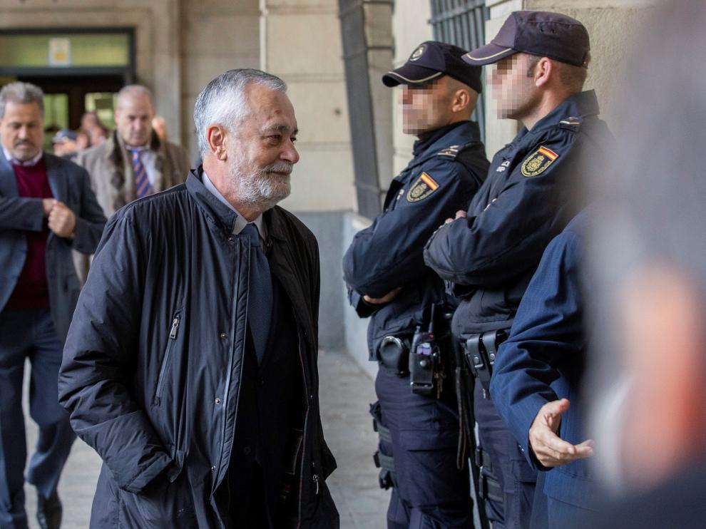José Antonio Griñán llega a la Audiencia de Sevilla para conocer la sentencia del Caso de los ERE.