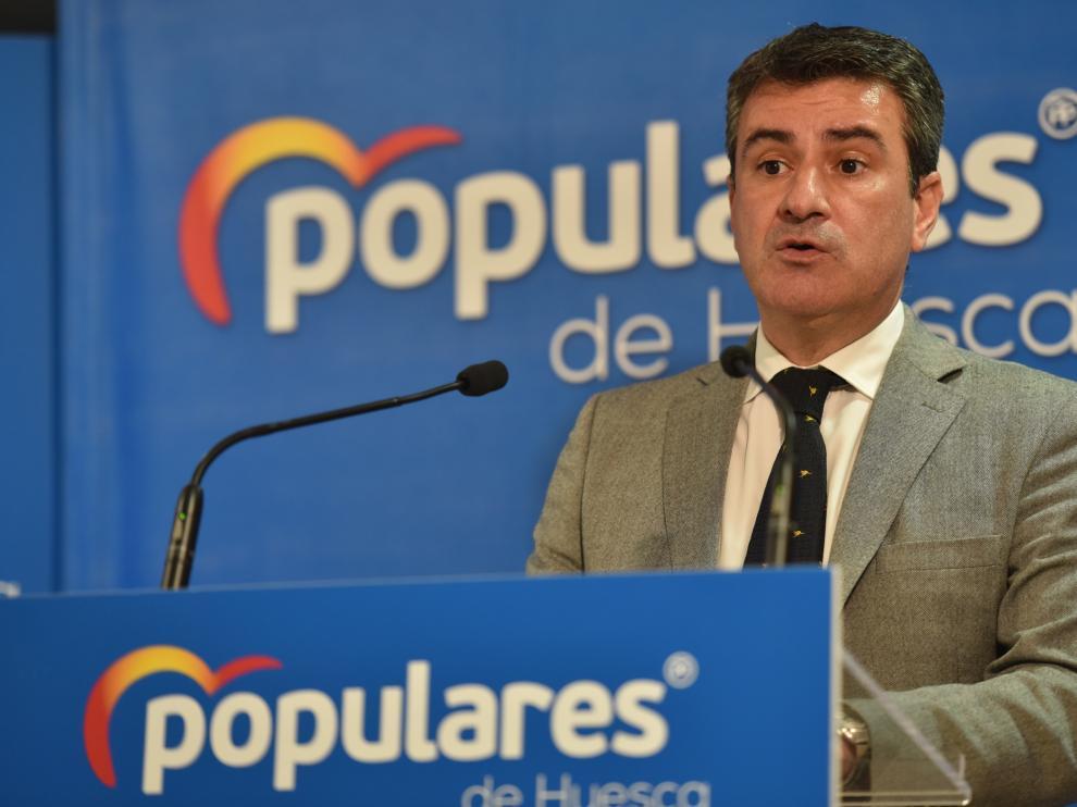 José Antonio Lagüens, diputado autonómico y presidente provincial del PP, durante la rueda de prensa de este martes.