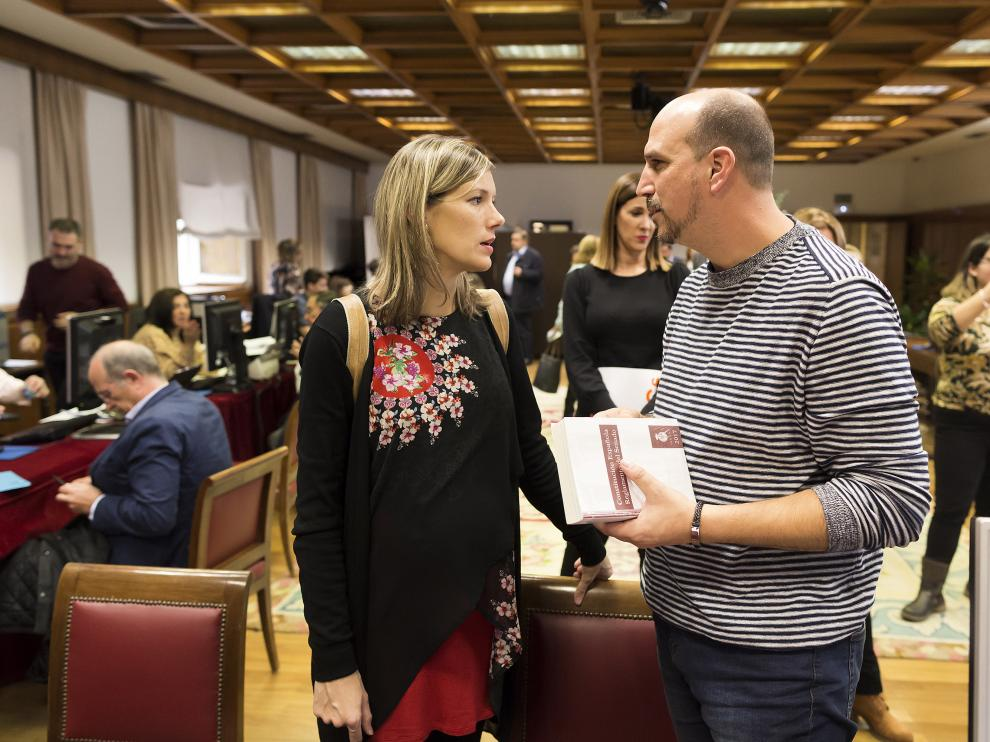 Beatriz Martín y Joaquín han recogido este miércoles sus acreditaciones en el Senado.
