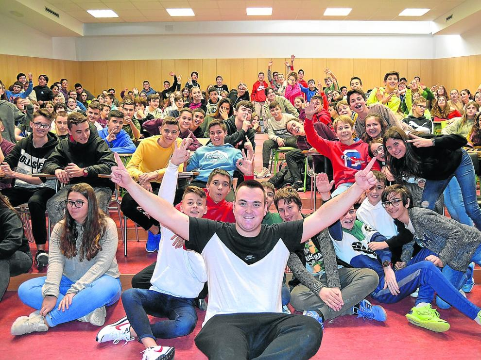 Los alumnos del instituto se volcaron con el DJ Markus Full