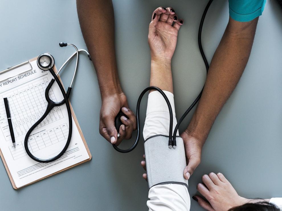 Realizar chequeos médicos cada cierto tiempo puede prevenir a la hora de diagnosticar enfermedades.