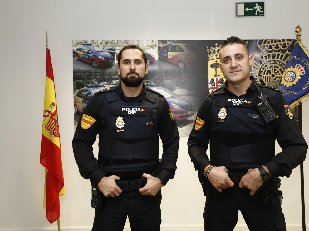 Los agentes Daniel S. L. y Pedro A. L., de la Unidad Adscrita de la Policía Nacional, relataban este viernes a HERALDO cómo sucedió todo.
