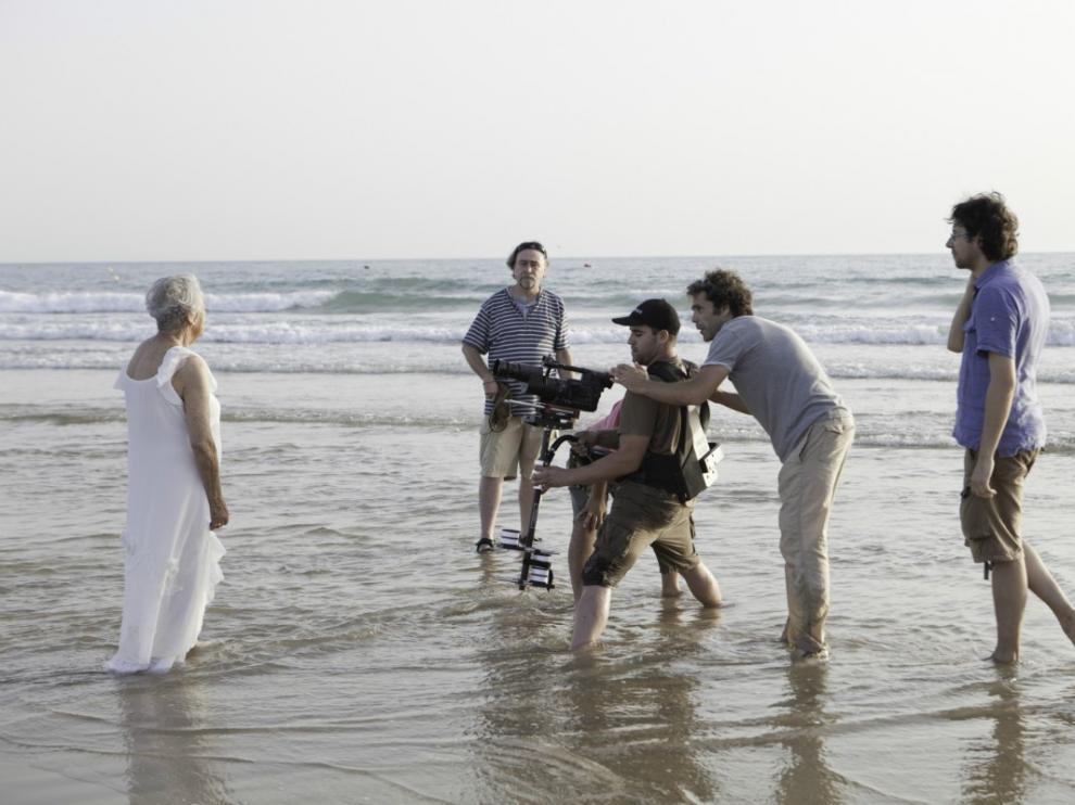 Un momento del rodaje de 'Una mujer sin sombra', de Javier Espada.