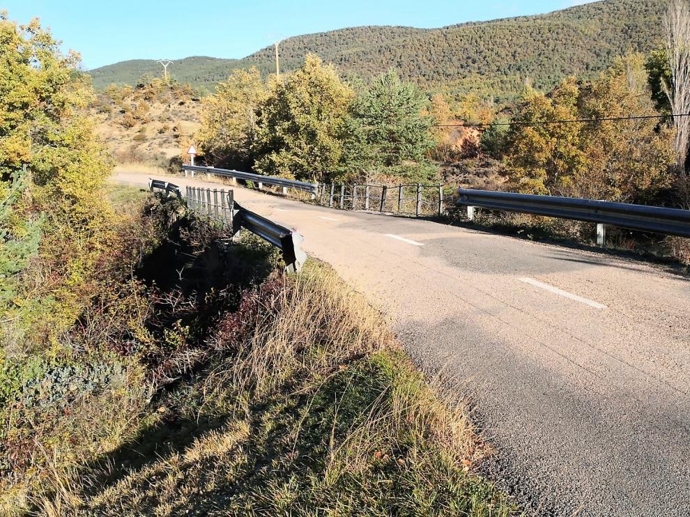 Una parte del tramo de carretera entre Abena y Binué que se va ampliar y mejorar.