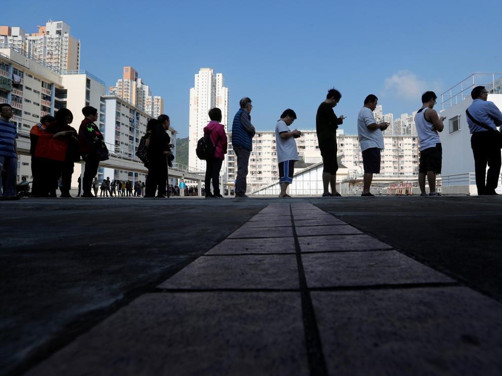 Colas para votar en Hong Kong