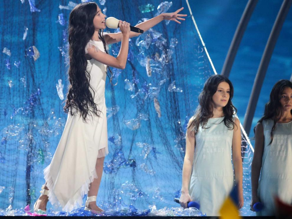 Gliwice (Poland), 24/11/2019.- Tatyana Mezhentseva (L) and Denberel Oorzhak (R) of Russia performs during the Junior Eurovision Song Contest at the Gliwice Arena in Gliwice, Poland, 24 November 2019. (Polonia, Rusia) EFE/EPA/Andrzej Grygiel POLAND OUT Junior Eurovision Song Contest 2019 in Gliwice