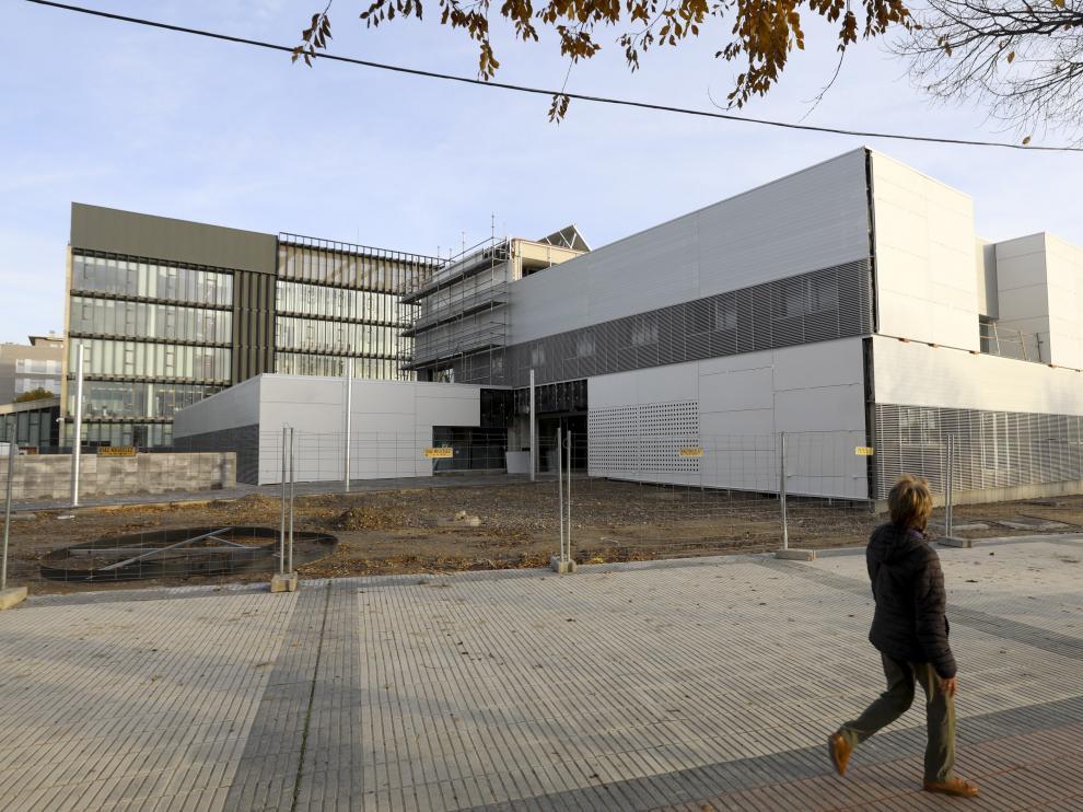 El nuevo centro de salud de Los Olivos se está construyendo a las afueras, junto al Palacio de Justicia.